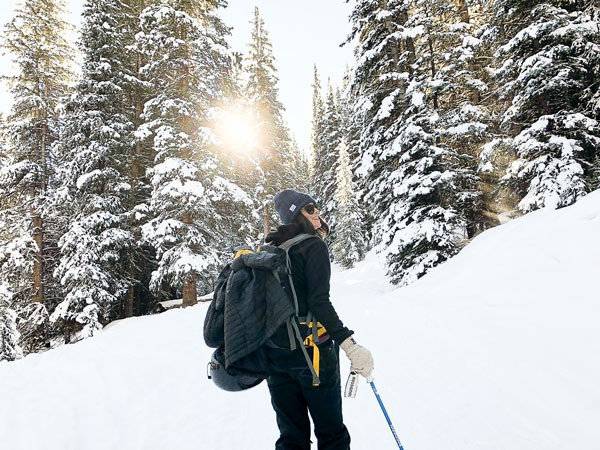 winter-hiking-tips-how-to-stay-safe-while-hiking
