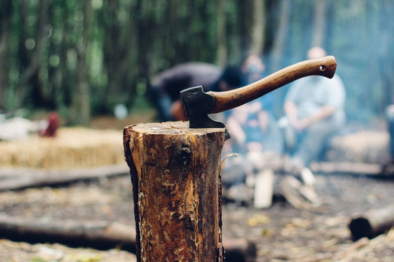Different-Ways-to-Use-a-Hatchet-on-Camping-and-Survival